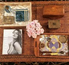 Such a Cindy Crawford coffee table ♡