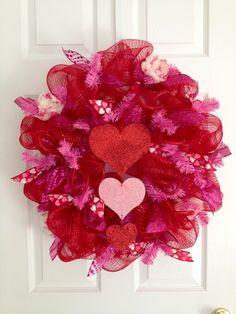 Triple Heart Valentines Day wreath #decomesh