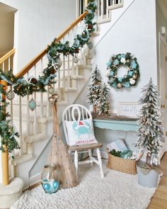 The Chic Technique: Coastal Christmas Foyer Coastal Christmas Decor, Nautical Christmas, Blue Christmas, Christmas Themes, All Things Christmas, Christmas Holidays, Christmas Crafts, Christmas Entryway, Coastal Decor