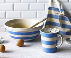 Have a gander at this lovely TG Green Mixing Bowl