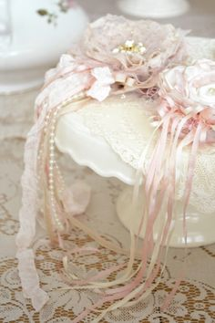 Beautiful handmade flowers & lace~❥