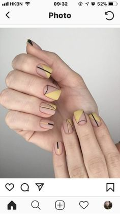 The Most and Glamorous Nail Art Designs For Girls - Page 2 of 20 - Fashion Round nails art is so nice! That's why we found the best nails to motivate you and take you to the local nail salon as… Minimalist Nails, Trendy Nails, Cute Nails, Hair And Nails, My Nails, Polish Nails, Nail Design Glitter, Nails Design, Salon Design
