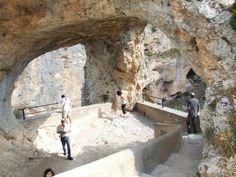 Ciudad encantada de Cuenca.  Espectacular paraje de formaciones rocosas calcáreas o calizas que han ido tomando formas caprichosas a lo largo de miles de años.