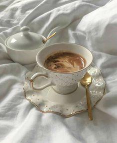 Coffee Love, Coffee Break, Coffee Shop, Coffee Mornings, Coffee In Bed, Coffee Coffee, Morning Coffee, Coffee Maker, Aesthetic Coffee