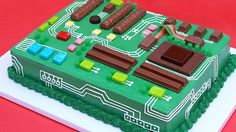 Los Angeles baker and author Rosanna Pansino of Nerdy Nummies demonstrated how to make a Motherboard Cake, one of the many creations found in her amazing Nerdy Nummies Cookbook. A photo posted by R…