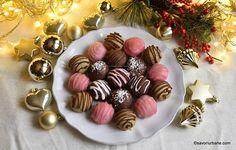 Bomboane fondante de casă cu nucă, cafea, cacao sau cocos reteta savori urbane Fondant, The Daniel Plan, Mini Cupcakes, Cake Cookies, Truffles, Cookie Recipes, Panna Cotta, Sweets, Candy
