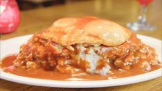 Corned Beef Hash Loco Moco : This spin on Hawaiian tradition Loco Moco really takes Jet Tila back. Beet Recipes, Loco Moco, Corned Beef Hash, How Sweet Eats, What To Cook, Food Network Recipes, Jet Tila, Main Dishes