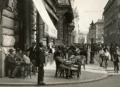 Via del Corso, Caffè Aragno, 1930 Ph. Paris Street Cafe, Street View, Best Cities In Europe, Black And White Photography, Old Photos, History, World, Pictures, Bella Roma