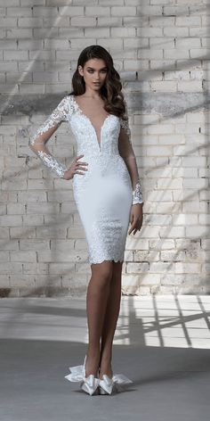 Want a wedding dress that is perfect for your outdoor or destination wedding? Short wedding dresses are the way to go, because they allow the bride to move around effortlessly, and is easy to trans… Short Lace Wedding Dress, Civil Wedding Dresses, Tea Length Wedding Dress, Best Wedding Dresses, Lace Dress, Bridal Gown Styles, Bridal Dresses, Women's Fashion Dresses, Fashion Styles