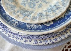 dreamsmaylinger:    Blue and white dishes (by seaside rose garden)