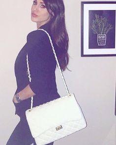 @chechrodriguez indossa borsa @21rue Disponibile nei nostri negozi @plush_lo_store  di Rimini e Santarcangelo !!! #21rue#plush#borsa#topbrand by plush_lo_store