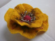 Felt brooch Poppy flower hand wet wool felt by FahionFeltProducts