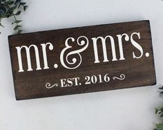 "Mr and Mrs Sign : The year established as ""Mr and Mrs""! This sign celebrates that year for the new couple or the veteran ""Mr and Mrs"". Makes a great wedding gift or anniversary gift ITEM DETAILS: Real"