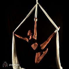 Creative Gifts For Photographers [It doesn't have to be costly] Aerial Hammock, Aerial Hoop, Aerial Arts, Aerial Acrobatics, Aerial Dance, Aerial Silks, Biker Photoshoot, Aerial Gymnastics, Silk Dancing