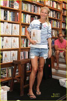 Gwyneth in stripes = <3