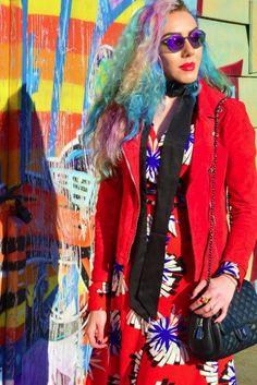 Blogger Stephi LaReine with our Knightsbridge Black/Pewter