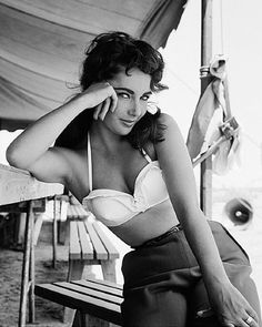 Elizabeth Taylor One of her greatest photos. A truly lovely lady.