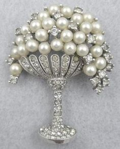 Jomaz Pearl Grapes in Rhinestone Compote - Garden Party Collection Vintage Jewelry  http://www.costumejewel.com