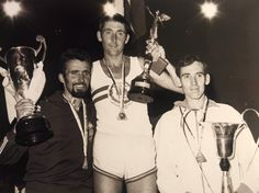 Ron Hill Great Britain 2.16'.47''.8 Gold Medal@Gaston Roelants (left) Belgium 2.17'.22''.2 Silver Medal@Jim Alder (right) Great Britain 2.19'.05''.8 Bronze Medal European Championships, Gaston, Great Britain, Athens, Marathon, Belgium, Bronze, Concert, Silver