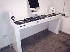 Are you looking for DJ equipment meant for sale that you want to purchase? Home Studio Desk, Home Studio Music, House Music, Studio Apt, Dj Equipment For Sale, Dj Dj Dj, Dj Stand, Recording Studio Setup, Dj Table