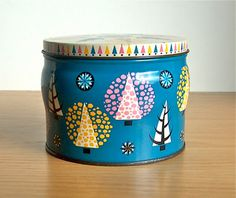 i love me some retro modern tins.