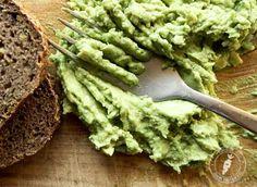 Awokado - tłusty i kaloryczny owoc, który smakuje i pomaga schudnąć Avocado Toast, Breakfast, Ethnic Recipes, Food, Morning Coffee, Essen, Meals, Yemek, Eten