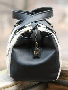Louise barrel bag,  zipper cover