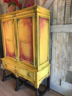Funky Painted Furniture, Painted Chairs, Chalk Paint Furniture, Furniture Projects, Diy Furniture, Yellow Distressed Furniture, Colorful Furniture, Primitive Kitchen Decor, Primitive Furniture