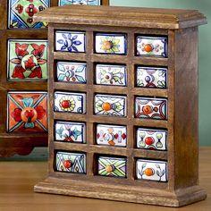 Керамические фасады в деревянном комоде