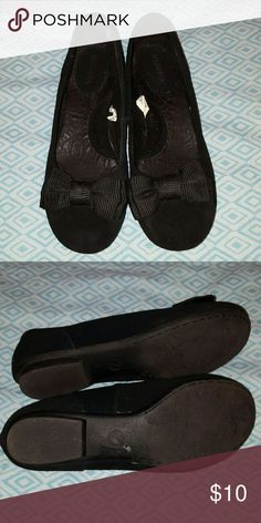 Cute black flats Merona black flats, great condition worn only a few times Merona Shoes Flats & Loafers