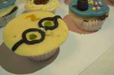 Harry Potter cupcake topper made of modelling chocolate..:)