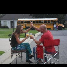 5 Unique Photo Ideas to Capture the First Day of School - ChocolateCakeMoments.com #Back2School