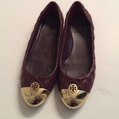 Easter Sale Gorgeous Tory Burch Flats Purple flats in excellent condition with gold tips. Slight minor wear on gold tips not noticeable when on and minor wear on bottoms. 100% authentic. Size 7.5 Tory Burch Shoes Flats & Loafers