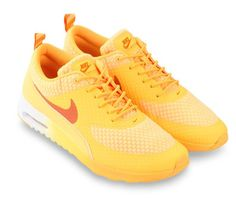 Nike airmax Thea prm Orange. Sleek silhouette, lightweight hyper fuse. With yellow color and white sole, The sneaker that takes most of it's inspiration from classic 90s Air Max runners. With this shoes you can run with style. http://www.zocko.com/z/JFz2k