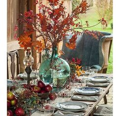 A rustic, primitive #tablescape perfect for fall dining.  We want to relax in that oversized armchair! :camera:: @e_tables . . . . . #home #homedecor #homedesign #homedecoration #interiordesign #interiors #decor #decorate #decorating #instahome #autumn #a