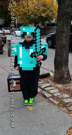 My son, Felipe is a die-hard Minecraft fan. So this year, for all his great scores in school and hard work, I decided to make him his own personal Min. (Diy Costume For Work) Minecraft Halloween Costume, Minecraft Costumes, Halloween Costume Contest, Halloween Kostüm, Holidays Halloween, Halloween Costumes For Kids, Minecraft Party, Mine Minecraft, Steve Costume