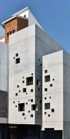 facade: the face of a building, especially the principal front that looks onto a street or open space. facade: the face of a building, especially the principal front that looks onto a street or open space. Architecture Design, Concrete Architecture, Modern Architecture House, Facade Design, Modern Buildings, Amazing Architecture, Landscape Architecture, Exterior Design, Landscape Design
