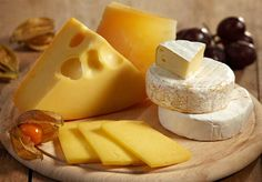 A number of mainstream cheese companies have taken the kosher plunge and chosen the O. certification, as it is the most recognized kosher symbol today. Diet Food List, Food Lists, Diet Recipes, Vegetarian Recipes, Diet Tips, Cheese Festival, Food That Causes Inflammation, Cheese Brands, Queso Panela