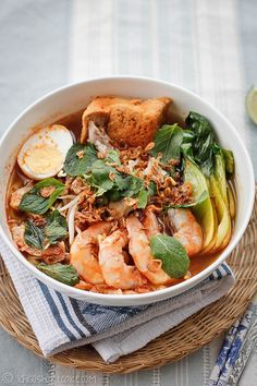 Har Mee (Malaysian Prawn Noodles) by Ichigo Shortcake… Prawn Noodle Recipes, Seafood Recipes, Cooking Recipes, Malaysian Cuisine, Malaysian Food, Malaysian Recipes, Fresh Food Market, Asian Recipes, Ethnic Recipes