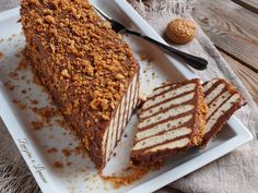 No cooking for this delicious and fresh mascarpone tile that is prepared in a few steps. A perfect dessert to end the meal on a high note. Italian Desserts, Sweet Desserts, Italian Recipes, Sweet Recipes, Dessert Recipes, Ricotta, Sweet Light, Nutella, Breakfast Cake