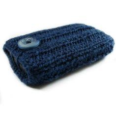 knit DIY phone case. inspiring me to get knitting needles out.