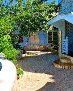 Take advantage of a mini spa in Negril, Jamaica.