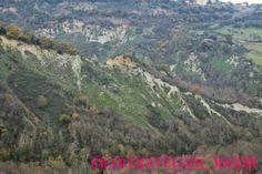 """Civita di Bagnoregio, Italia#Civita di #Bagnoregio. Il borgo sospeso a mezz'aria. Civita di Bagnoregio is a small Italian hill #town in the province of #Viterbo, region of #Lazio, in #CentralItaly, known as """"the town that is dying"""" #Italia #Borghi"""