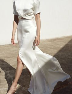 Modern Bridal Gowns / Prea James / See full collection on The Lane… – Wedding Dresses White Skirt And Top, White Skirts, White Dress, Plain Wedding Dress, Wedding Dresses, Look Fashion, Fashion Outfits, Fashion 2020, Fashion Clothes