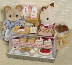 Sylvanian Families The Dessert - had to pin this, love the sylvanian families, I totally want to play with this, lol