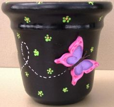 Could paint in any color, adding butterflies, dragonflies, etc. Flower Pot Art, Flower Pot Design, Clay Flower Pots, Flower Pot Crafts, Clay Pots, Clay Pot Projects, Clay Pot Crafts, Diy Clay, Diy And Crafts