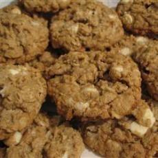 Toasted Oats Cookies Recipe Bartholomew, making these now! Oat Cookie Recipe, Oatmeal Cookies, Cookie Recipes, Dessert Recipes, Desserts, Tostadas, Toasted Oats, Big Cookie, Cinnamon Oatmeal