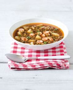 Čočková polévka s párkem (www.albert.cz/recepty) Bon Appetit, Dog Food Recipes, Supe, Cooking, Ethnic Recipes, Red Peppers, Kitchen, Cuisine