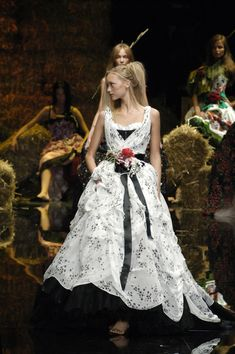 The Look: Oz -Dolce  Gabbana Spring/Summer 2006