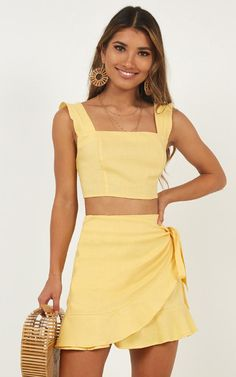 Two piece dress casual - Royal Power Two Piece Set In Lemon Linen Look Produced – Two piece dress casual Short Summer Dresses, Cute Summer Outfits, Girly Outfits, Skirt Outfits, Trendy Outfits, Cute Outfits, Fashion Outfits, Fashion Trends, Latest Fashion